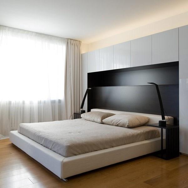 Hálószobai romantika rejtett fényekkel - Díszléc és LED lámpa ...