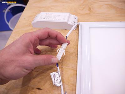 A led panel tápegysége gyorscsatlakozós