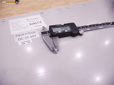 LED panel hátlapjának a csavar mérete 4 mm