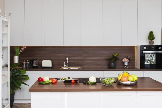 Fa falburkoló panel konyhába