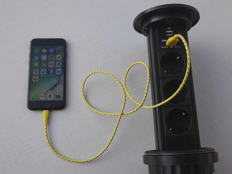 Smart Power Tower 3-as motoros rejtett elosztó 2 darab USB csatlakozóval