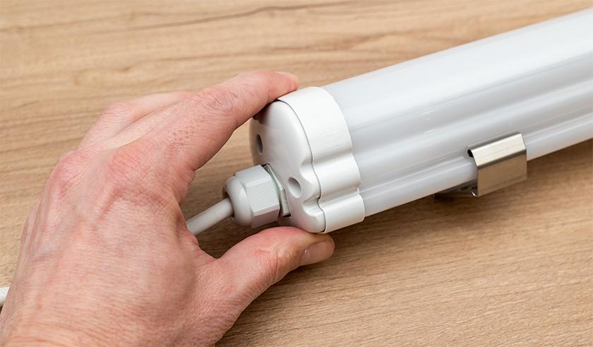 Kettős szigetelésű, műanyag házas por és páramentes LED lámpatestek