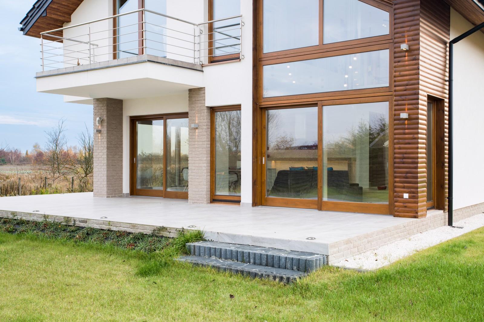Az ablakfólia bármilyen függőleges felületű ablakon alkalmazható: bukó és nyíló ablak, fix ablak, tolóajtó.