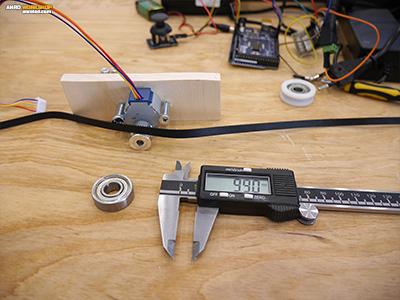 A csapágy 6200 2RS 10x30x9 méretű, azaz 10 mm-es tengely kell hozzá.