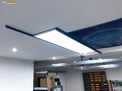 Kék színű LED panel tartó keret készítése LED panel mennyezeti rögzítéséhez.