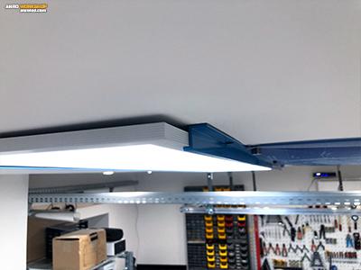 Z alakú alumínium idom segítségével is felszerelhető a LED világítás.
