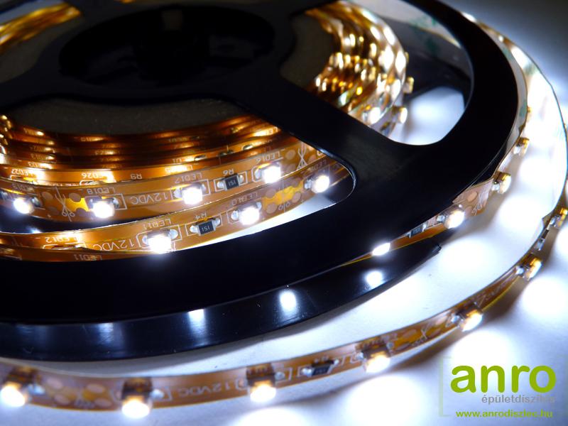 Flexibilis beltéri LED szalag