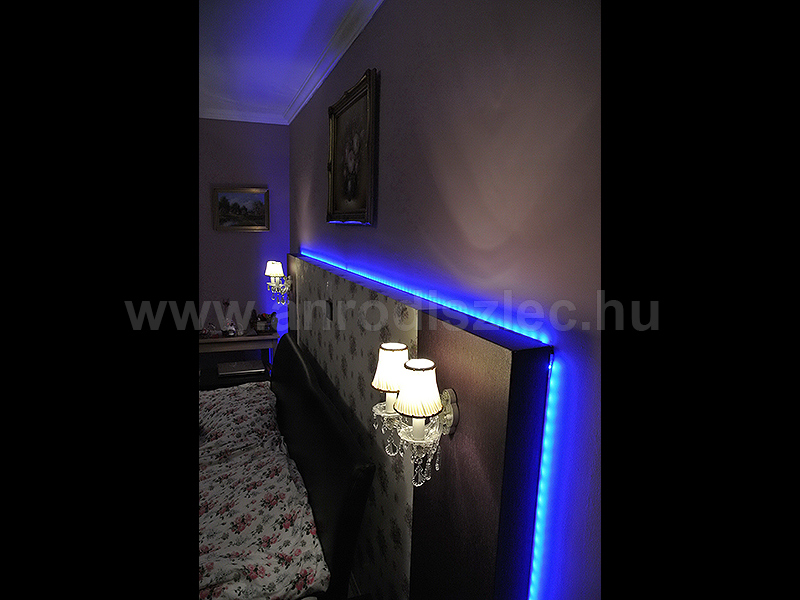 A színváltós RGB LED szalag egy franciaágy háttámláját díszíti!