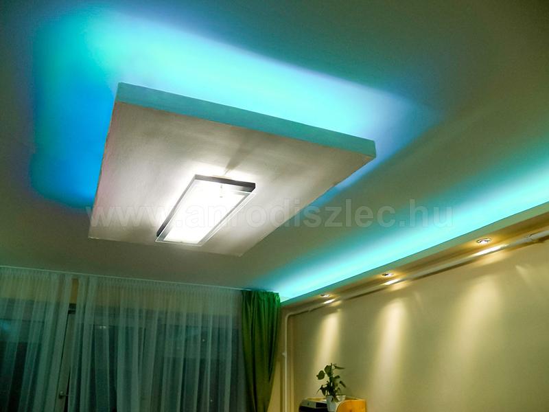 5050-030 RGB LED szalag gipszkartonban hangulatvilágításhoz