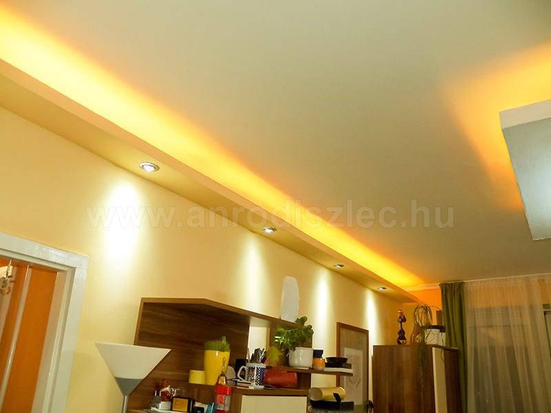 Egyes RGB LED szalaggal ilyen szép sárgás fényt is előállíthatunk!