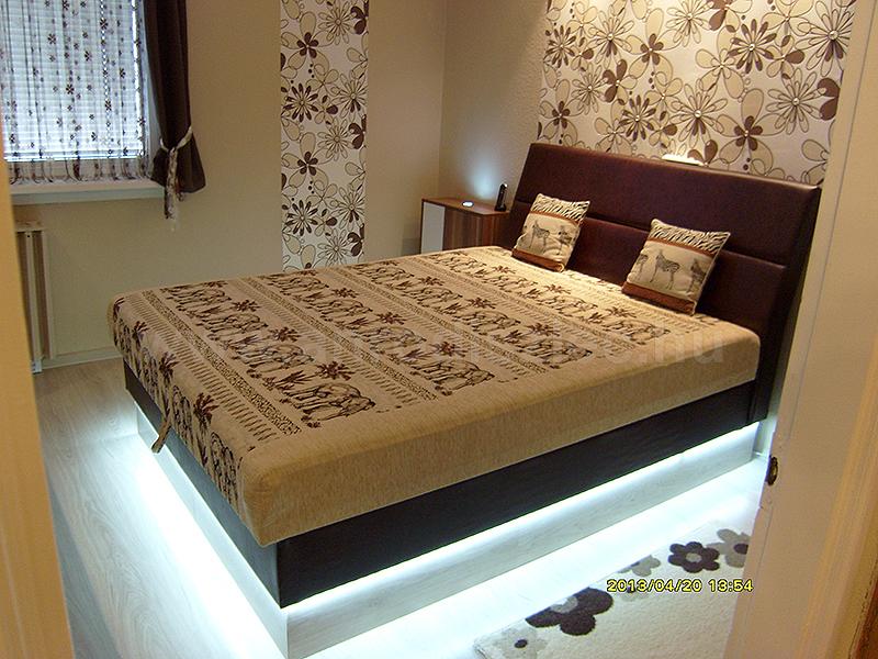 Kétszemélyes ágy led világítással, hidegfehér 3528 SMD LED csíkkal