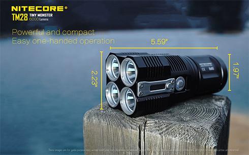 Kis méretű, kompakt, egy kezes használatra is tökéletesen alkalmas. Méretei: 142 mm x 56 mm x 50 mm.