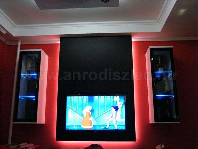 Nappali szekrénysor kék színű üvegpolc LED világítással