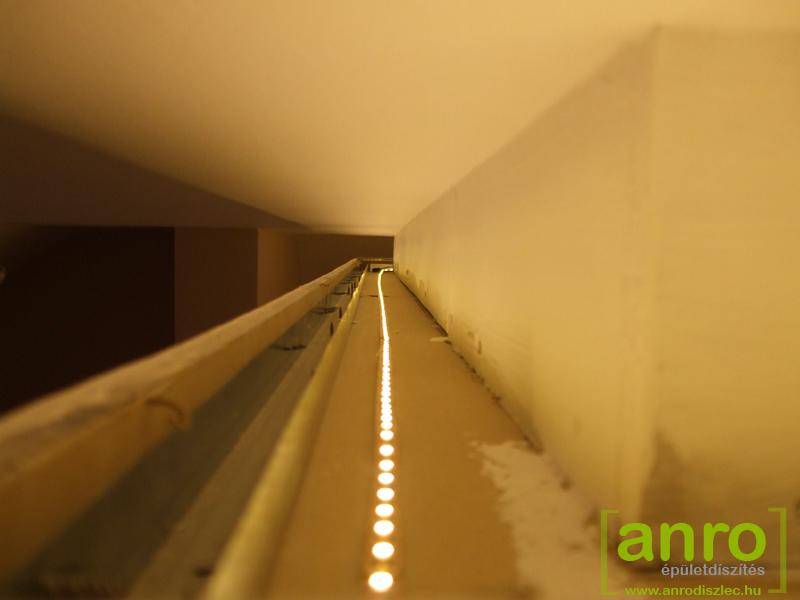 így néz ki a gipszkarton párkányán végigfuttatott 60 led/m világító szalag
