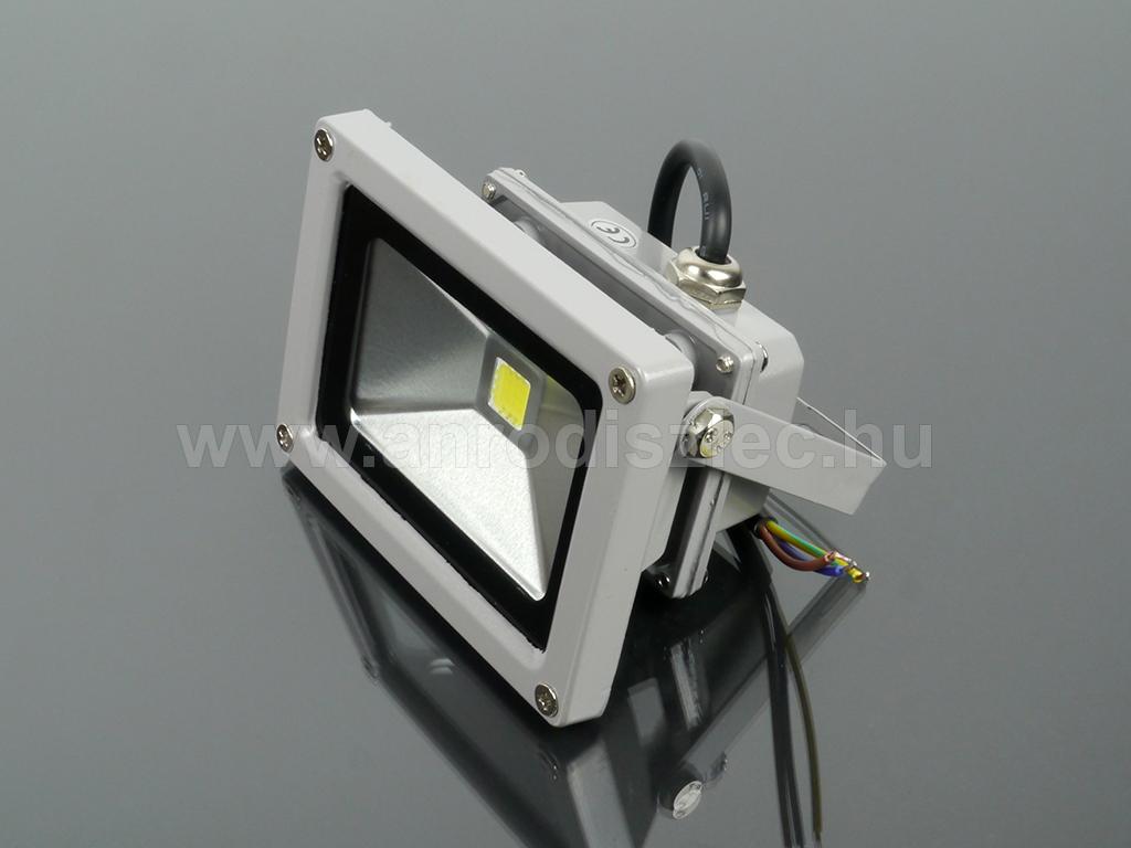 12 Voltos LED reflektor (10W 120°) Hideg fehér - Ár  3 928 Ft - LED ... 27255e19d7