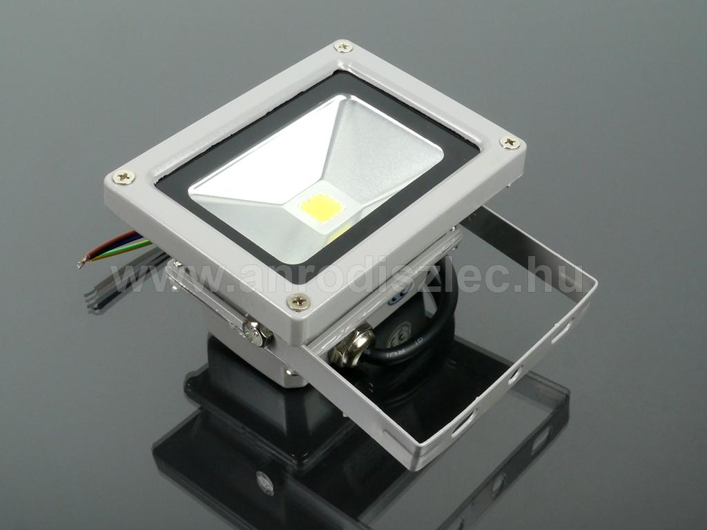 12 Voltos LED reflektor (10W120°) Hideg fehér