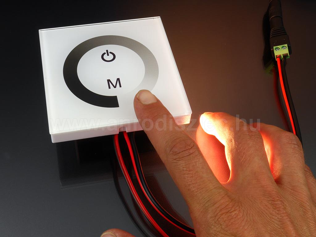 A modern fali dimmer: DM01 érintős vezérlő 96 Wattnyi LED-hez