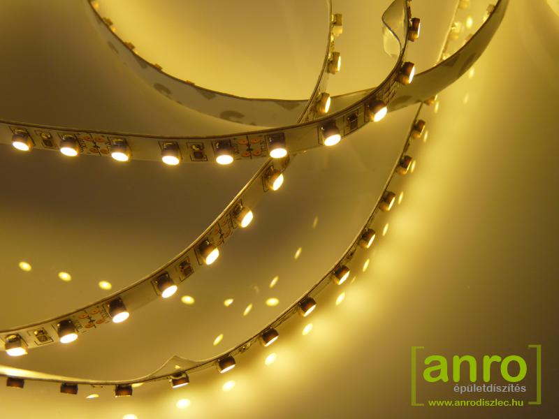 Melegfehér fényű hajlékony LED szalag
