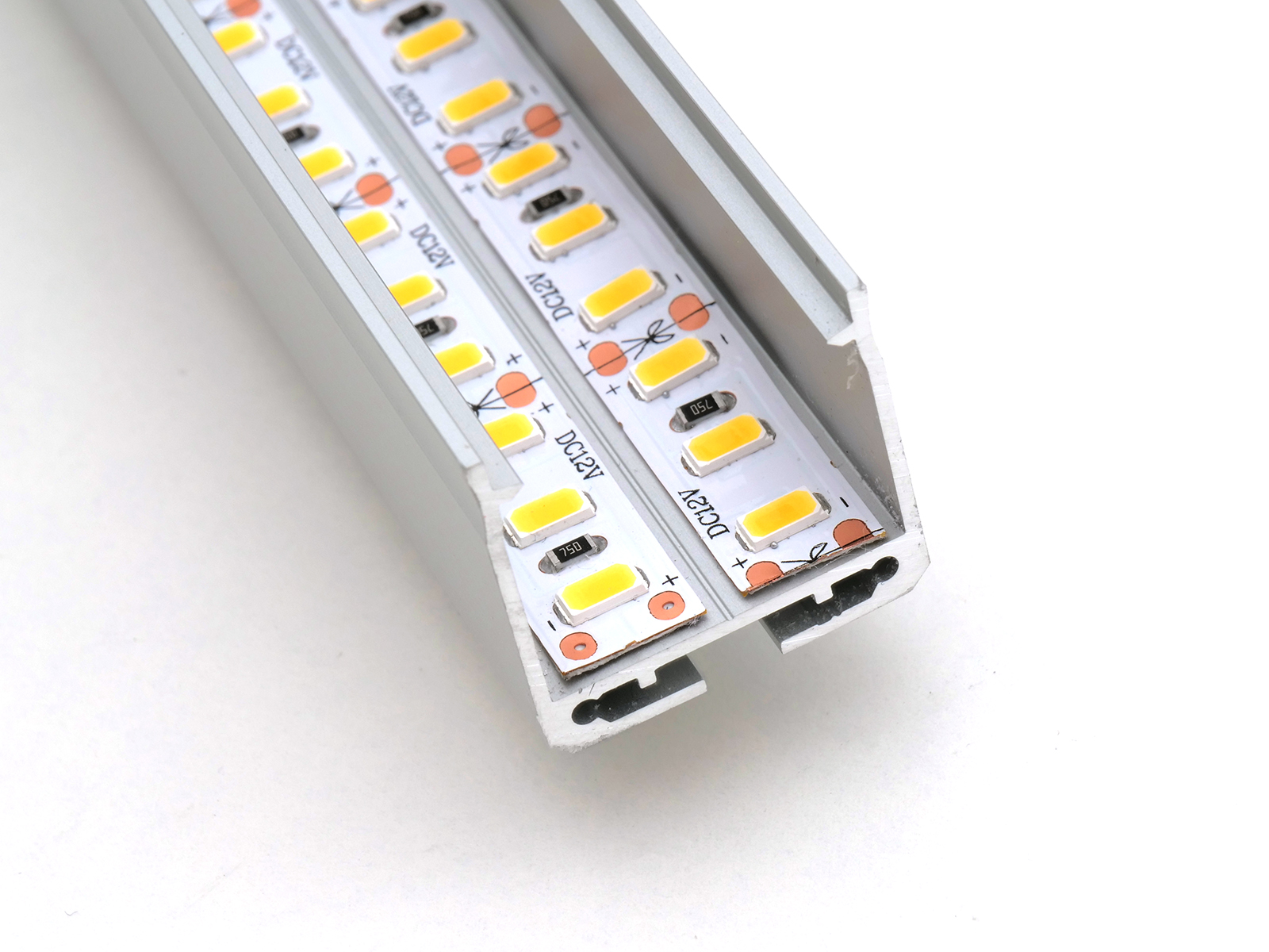 Függeszthető LED profil két sor LED szalaggal