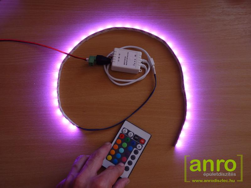 RGB LED szalag gyönyörű pink fény