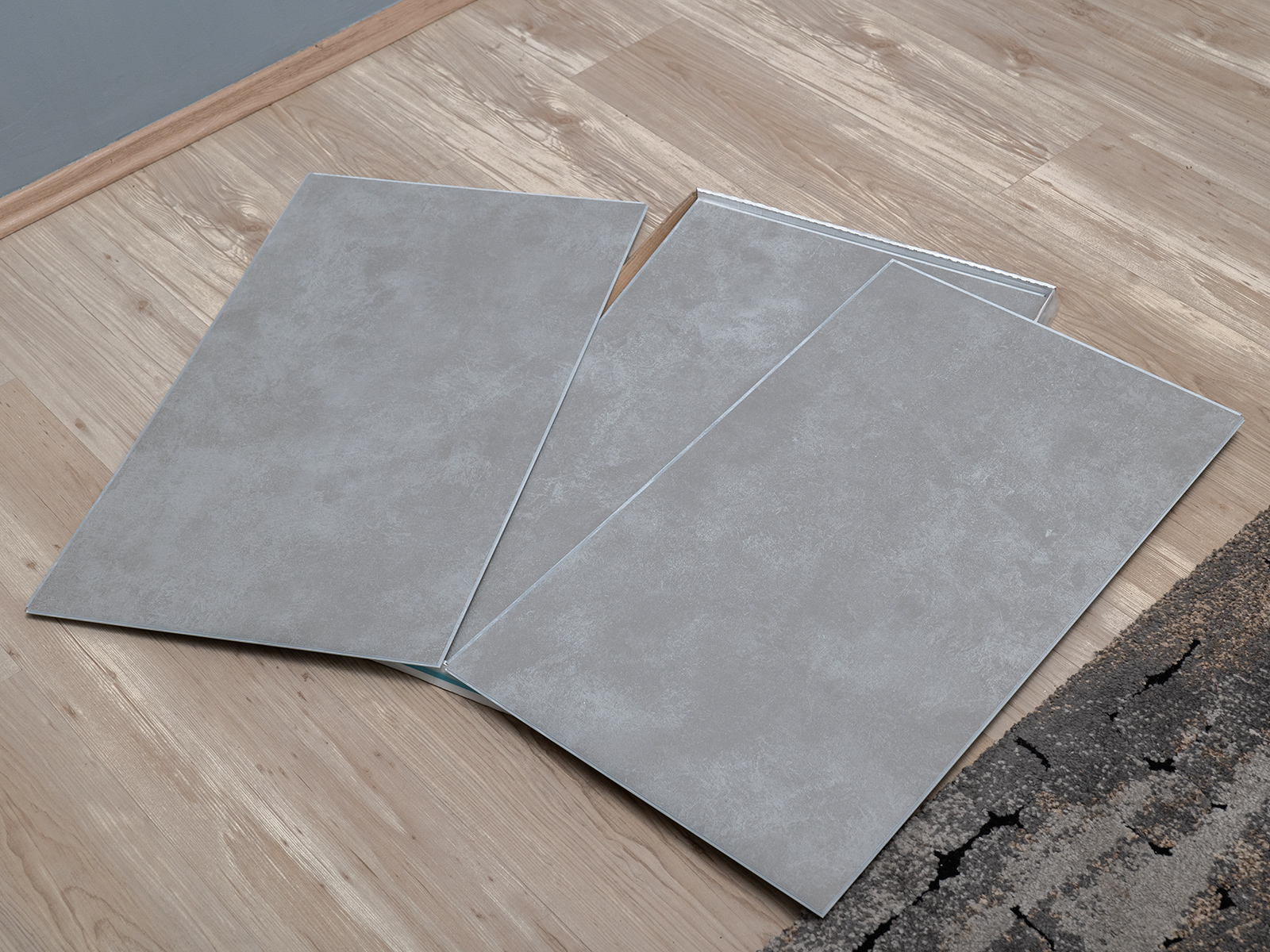 70x42 cm méretű fali burkolólapok.