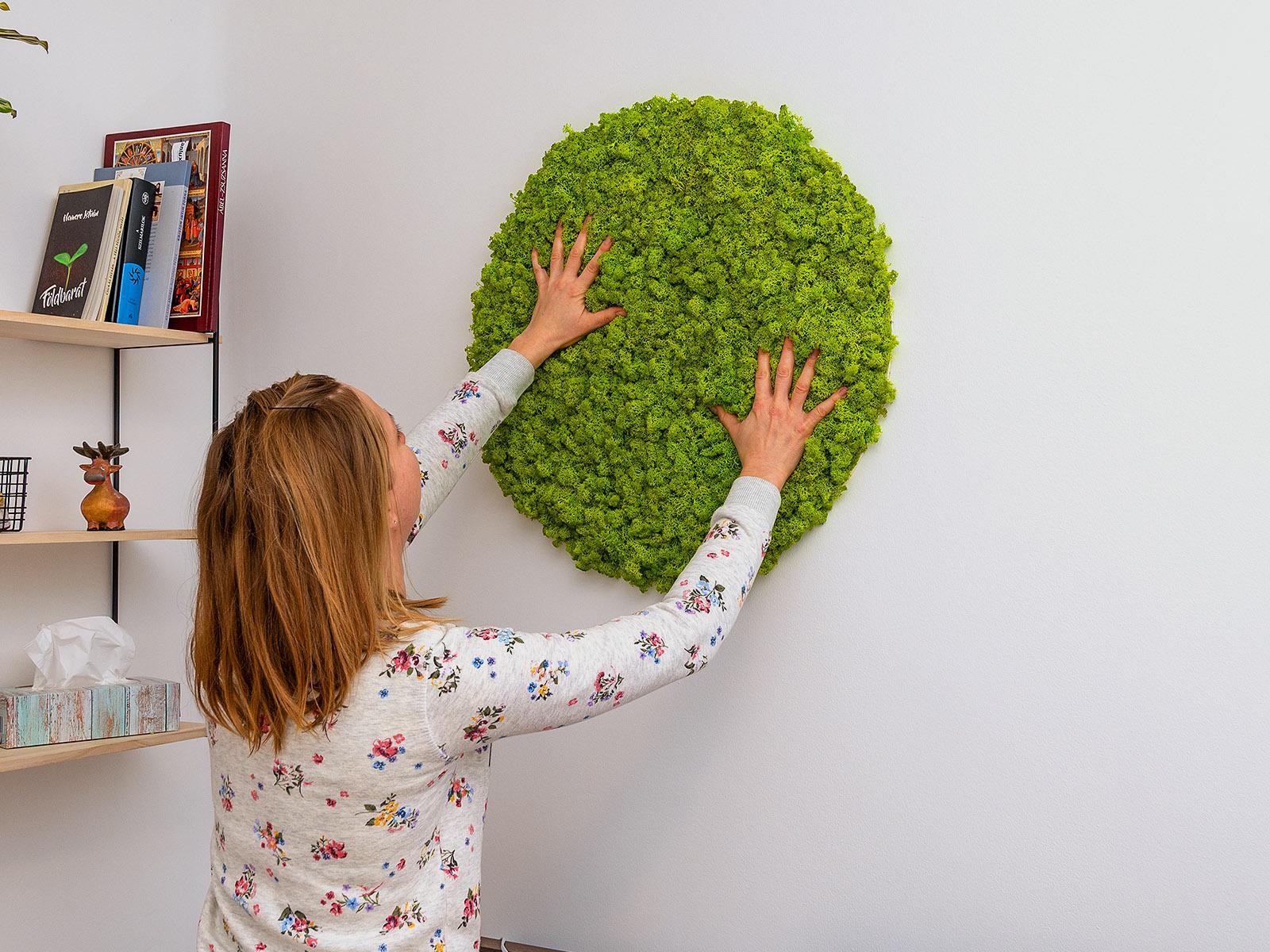 A zuzmó körpanel önállóan is extravagáns lakásdekorációt képezhet bármely helyiségben!