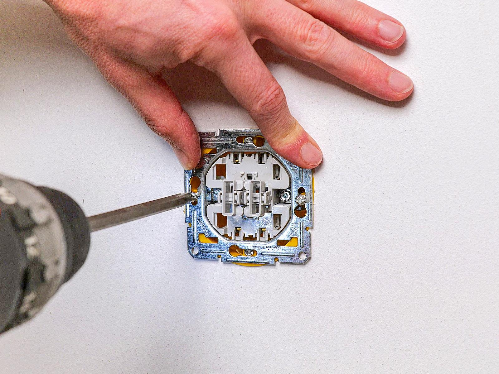 Az Asfora mechanizmusok kiváló minőségű anyagokból készülnek és jól szerelhetőek.