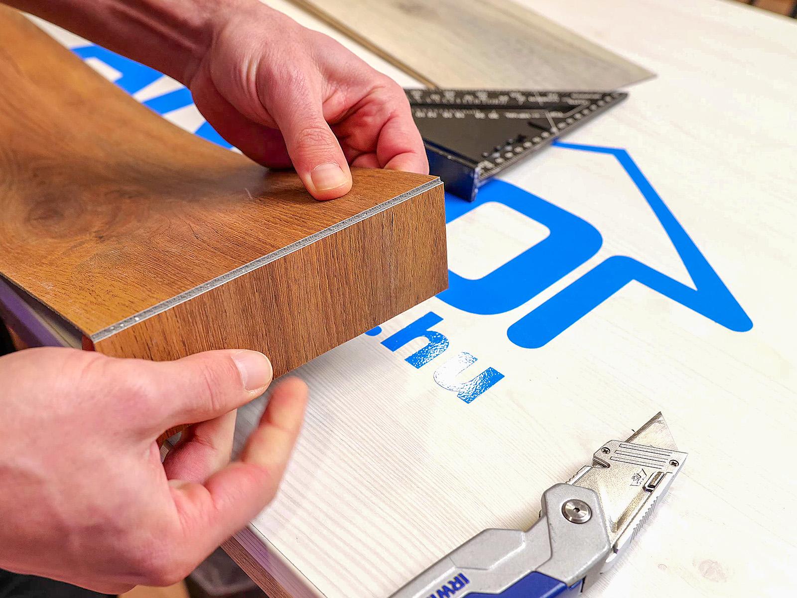 Méretre vágás: karcolás után könnyen letörhető a jelölésnél.