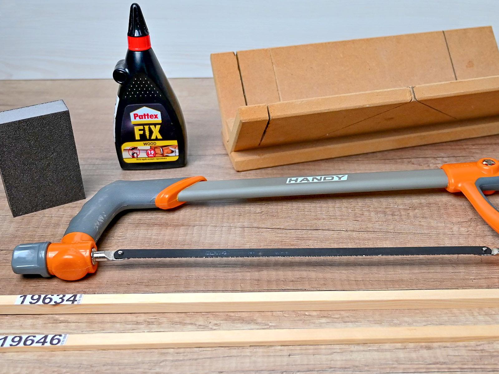 Nem sok eszközre lesz szükségünk, de fa léc az biztosan kell hozzá.