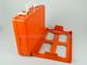 III elsősegély doboz (narancs) fali tartóval