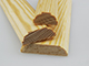Fa díszléc: 2 oldalán mart, fa díszítőléc, gyalult skandináv fenyőből (10x40mm)