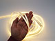V-TAC LED szalag beltéri 2835-204 (12 Volt) - meleg fehér DEKOR!