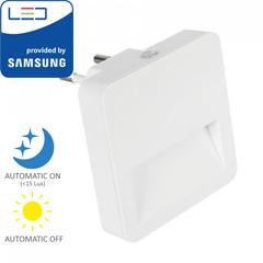 Éjszakai irányfény LED lámpa (0.45W - négyzet) fényérzékelővel, meleg fehér, Samsung Chip