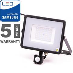Mozgásérzékelős PRO-B LED reflektor (50W/100°) meleg fehér