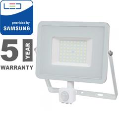 Mozgásérzékelős PRO-W LED reflektor (50W/100°) hideg fehér