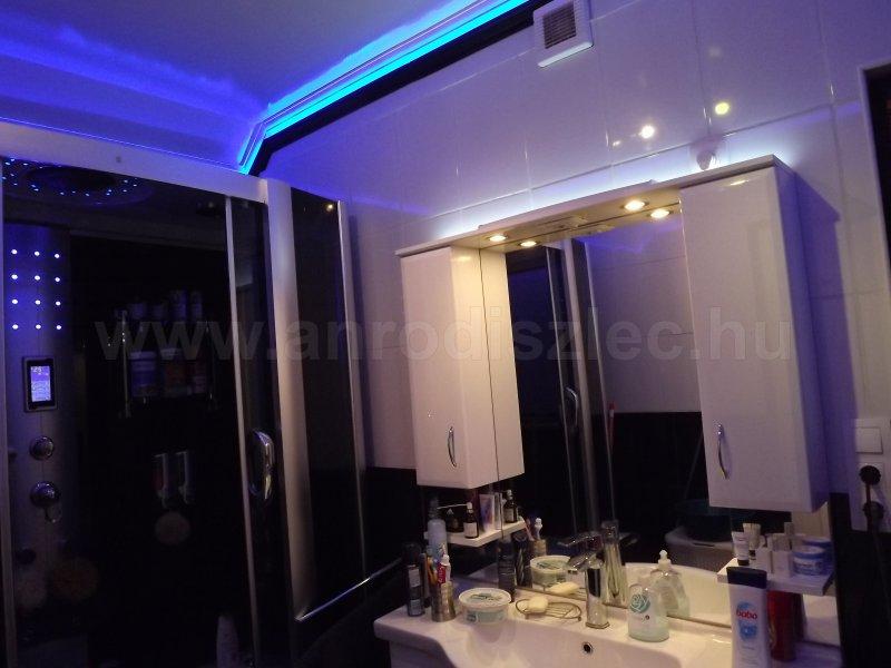 Fürdőszoba LED dekorációval - Vásárlóink fotói - Díszléc és LED lámpa Webáruház