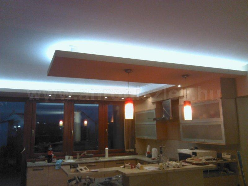 Konyha álmennyezeti LED világításokkal, hidegfehér 3528x60 SMD LED szalaggal