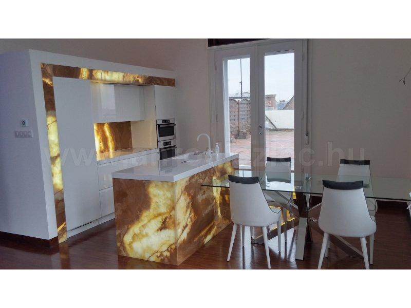 Konyhabútor megvilágított kvarctábla betétekkel - Vásárlóink fotói - Díszléc és LED lámpa Webáruház