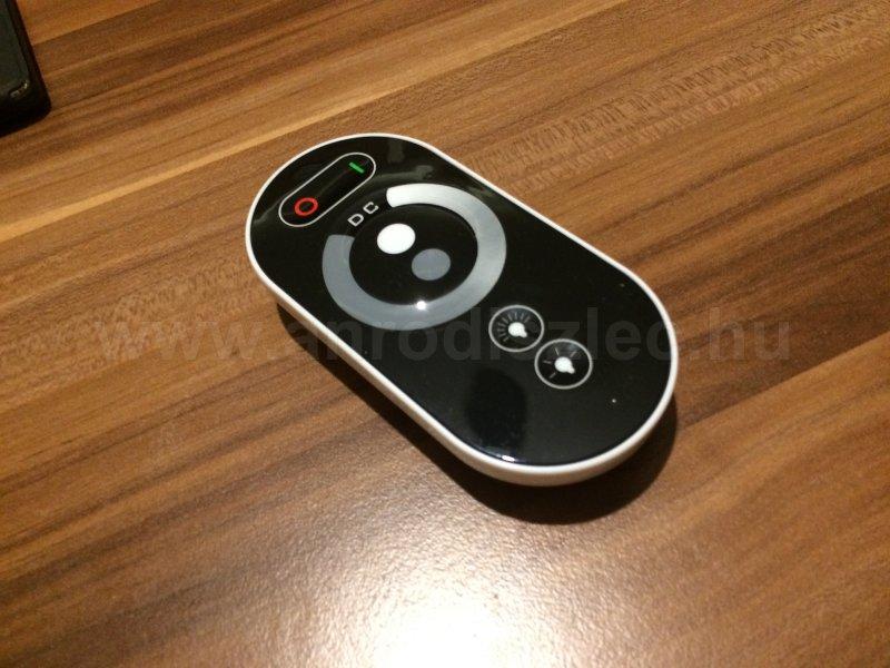A modern távirányítós dimmer: érintőfelületes Touch fényerőszabályzó