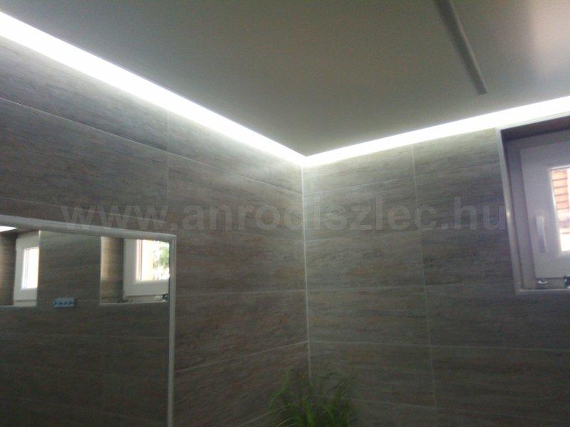 -Szett: 5 m. színváltós RGB 5050-30 + vezérlő + táp (beltéri) - Ár: 6 790 Ft - Öntapadós LED ...