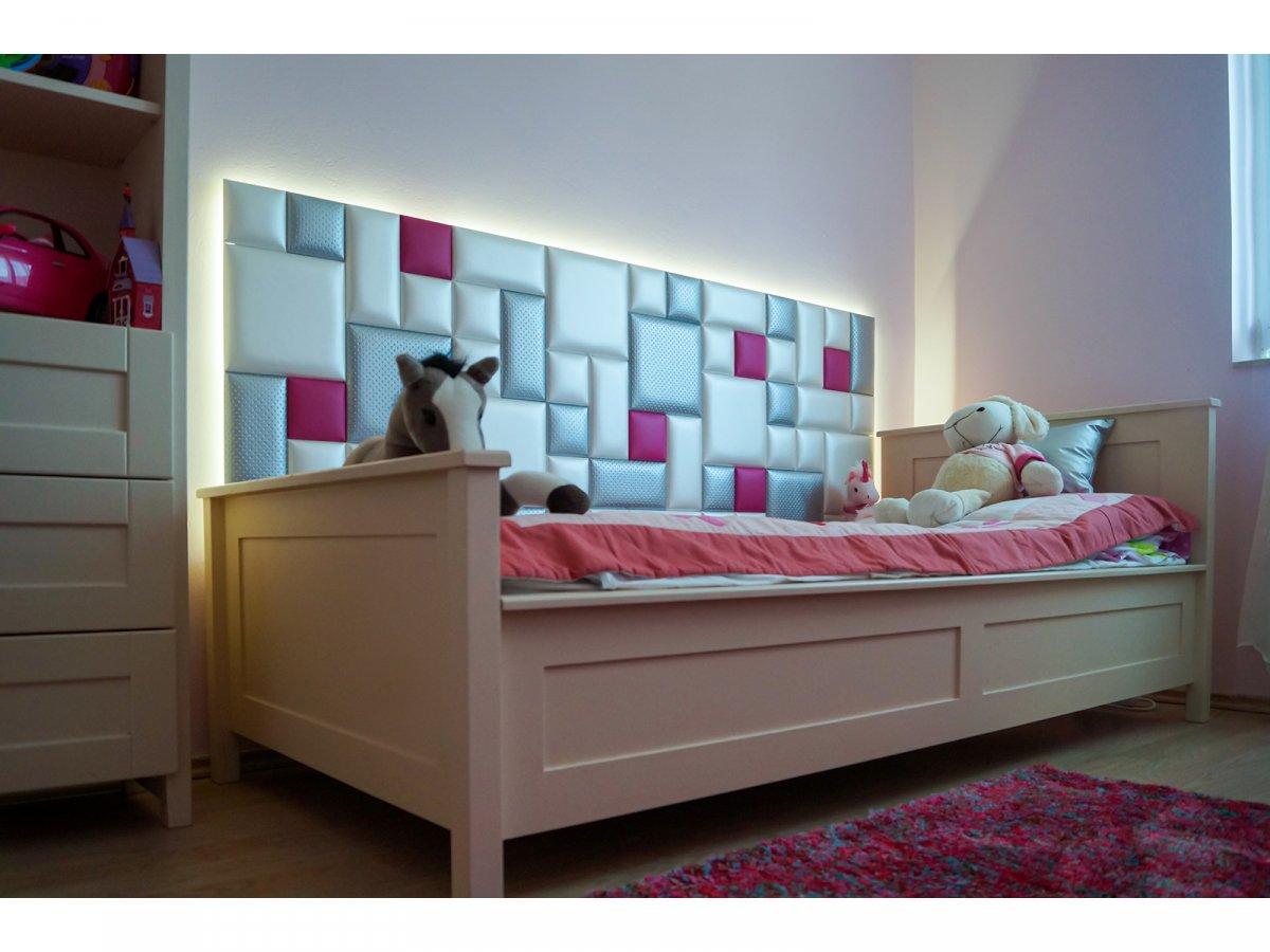 A gyerekszobában a hőszigetelő funkció is fontos szerepet kap, amikor az ágy melletti falra kerül beépítésre a bőr falpanel.